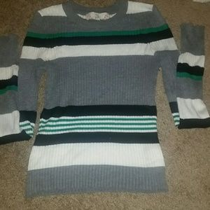 Stretchy sweater top